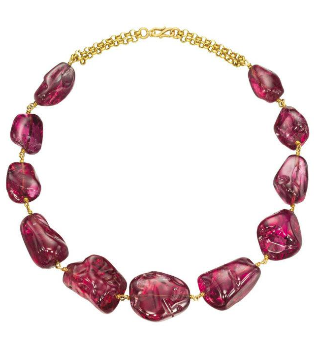 An  Imperial Mughal spinel necklace with eleven polished baroque spinels  for a total weight of 1,131.59 carats. Three of the spinels are  engraved. Two with the name of Emperor Jahangir (1569-1627), one with  the three names of Emperor Jahangir, Emperor Shah Jahan and Emperor  Alamgir, also known as Aurangzeb.