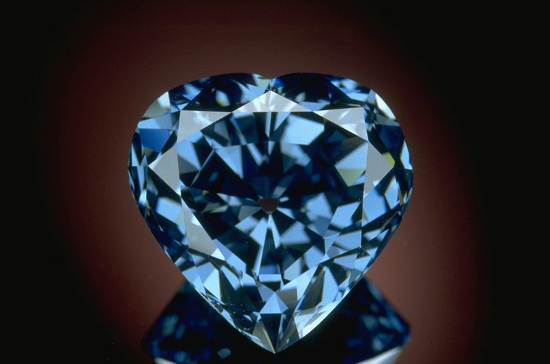 The Blue Heart diamond is a 30.62-carat, heart-shaped, brilliant-cut blue diamond. Blue Heart Diamond is a natural fancy deep-blue diamond, with a clarity grade of VS2. Photograph of the unmounted Blue Heart diamond. Photo by Chip Clark, Smithsonian National Museum of Natural History.