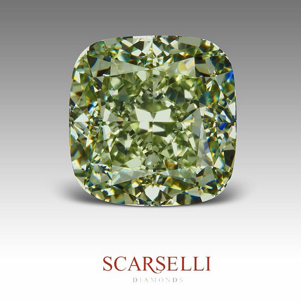 A magnificent 3.15 carat, Fancy Intense Yellowish Green diamond. Vs1. Image:  Scarselli Diamonds