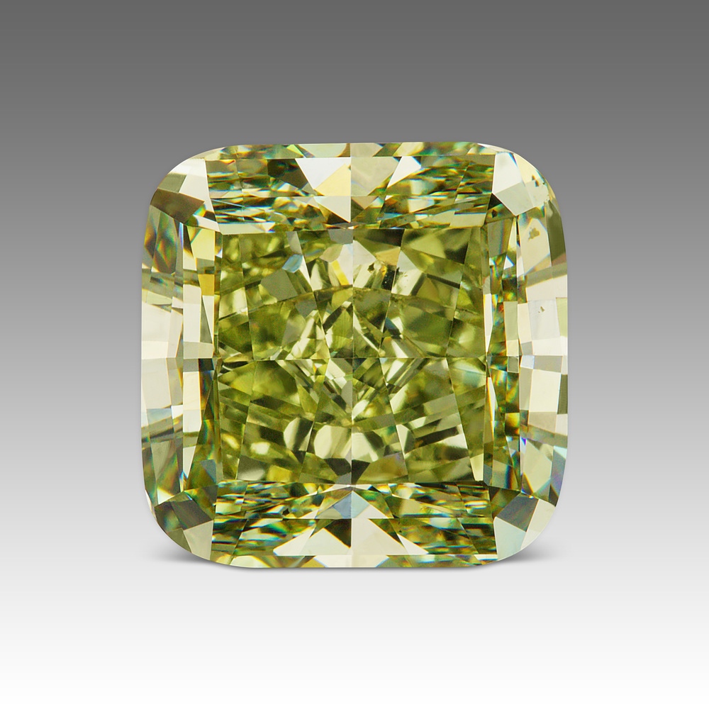 An outstanding 8.14 carat Fancy Yellowish Green diamond. Image:  Scarselli Diamonds