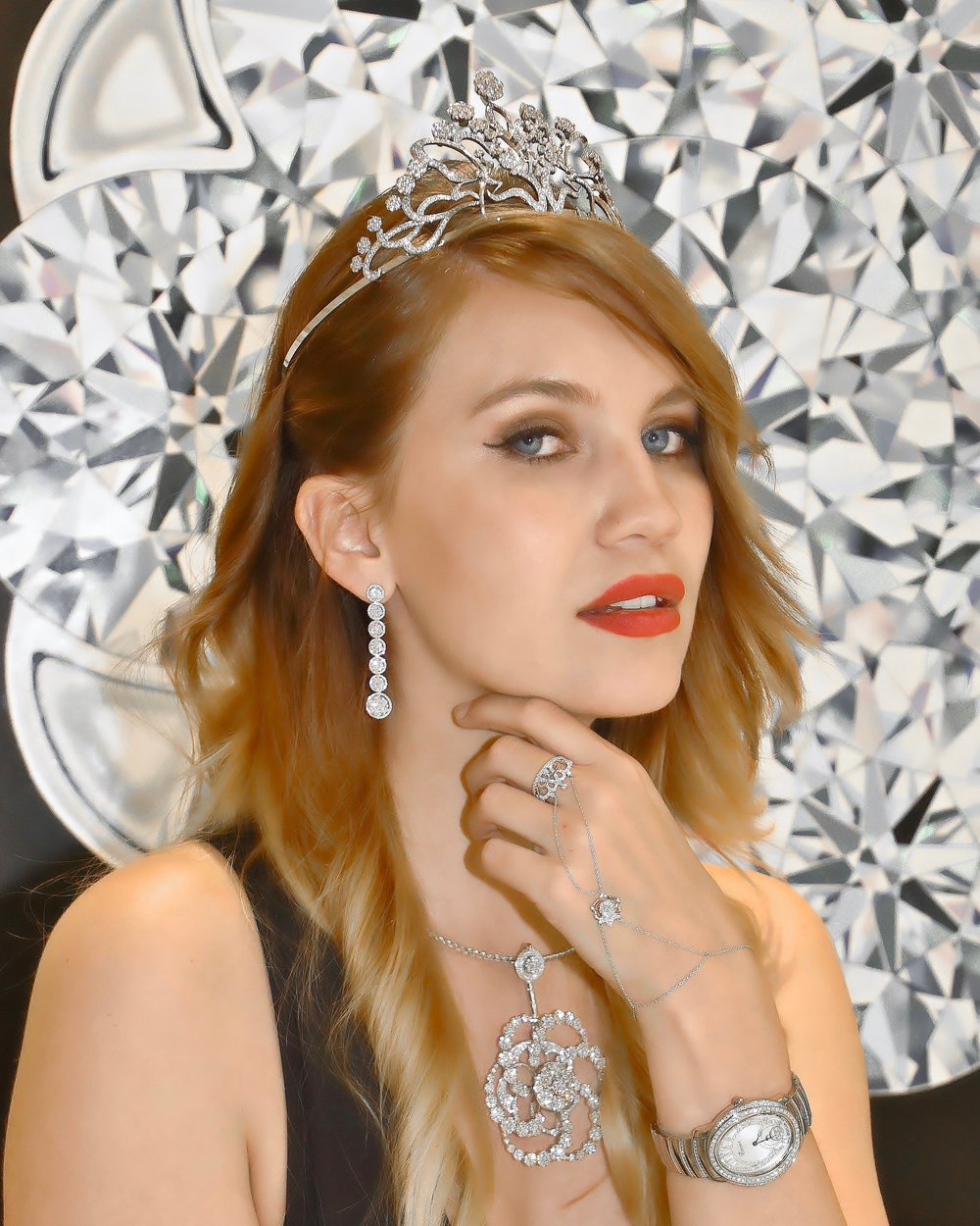 Miss Switzerland, Kerstin Cook radiates in the 'Inner Brilliance' spinning diamonds jewelry from 'Coronet By Reena Ahluwalia'.  VIEW THE COLLECTION .   Image credit: Abdou HILALI | Baselworld