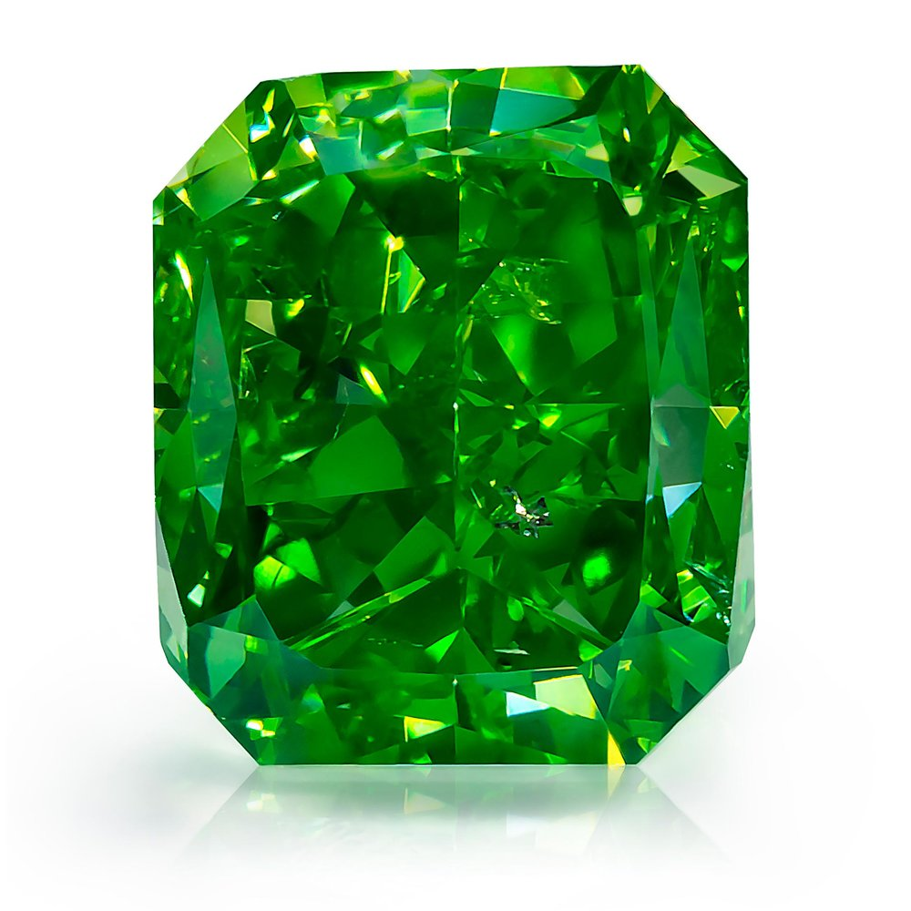 "1.01 Vivid Yellowish Green Diamond. From Optimum Diamonds LLC's's rare natural fancy color green diamonds ""Gamma"" collection.  Image credit:  Optimum Diamonds LLC , Copyright ©Digital Jewelry Photography"