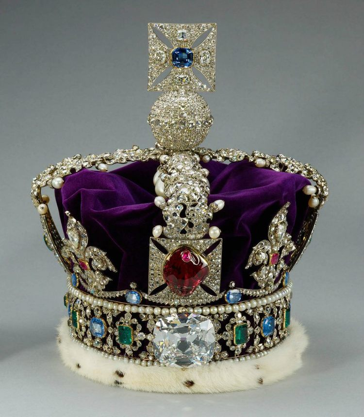 The Imperial State Crown. Set in The Imperial State Crown is a magnificent 317.4 carat Cullinan II diamond, also known as the Lesser Star of Africa, was cut by the Asscher Diamond Company. Great Britain's Crown Jewels. Image: Royal Collection © Her Majesty Queen Elizabeth II