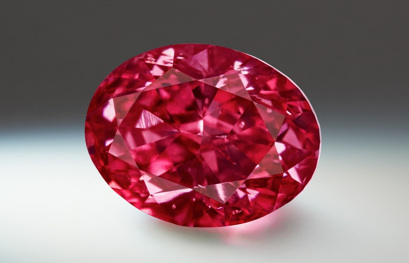 "The oval-shaped ""Argyle Muse,"" a 2.28-carat fancy purplish-red diamond, was the most expensive stone sold as part of Rio Tinto's 2018 tender. Image: Rio Tinto Diamonds."