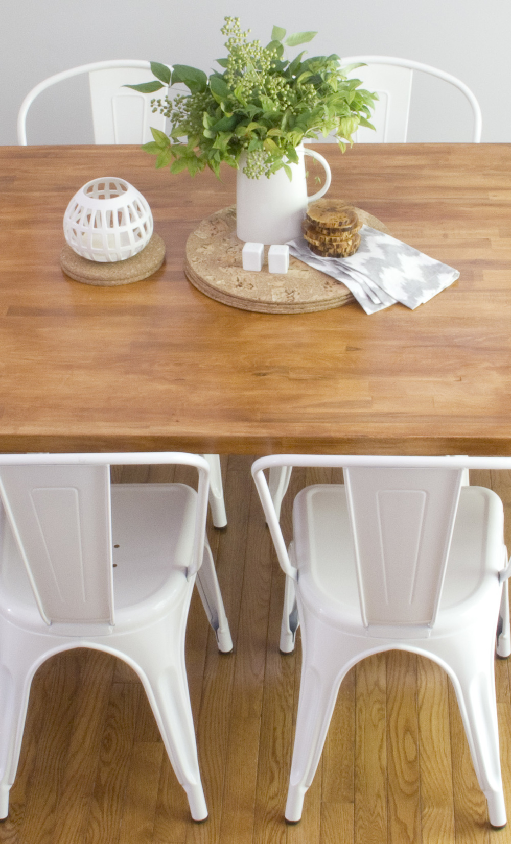 DiningChairs_CC1.jpg