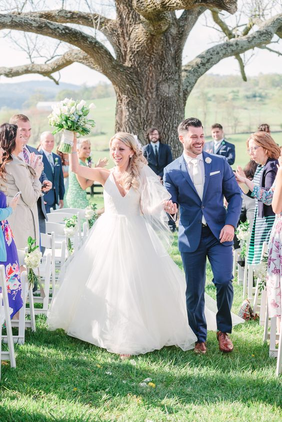Lindsey + Nick on April 23, 2016 ♥ Lauren Myers Photography at Marriott Ranch (Hume, VA)