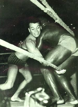 Grand Master Carlson Gracie avenges the family against Valdemar Santana