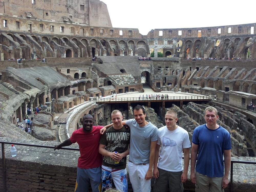 choke_rome_coliseo_team.jpg