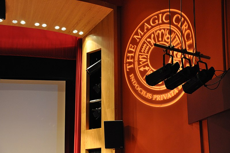 the official logo for the magic circle