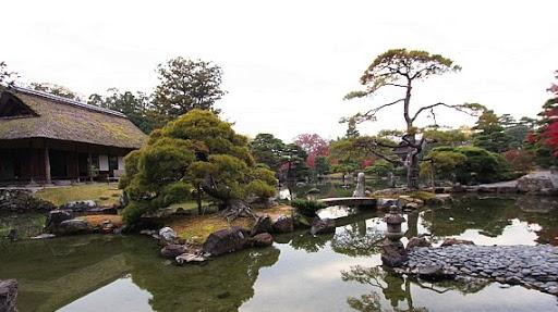 Integrazione tra costruzione e giardino nella villa di Katsura