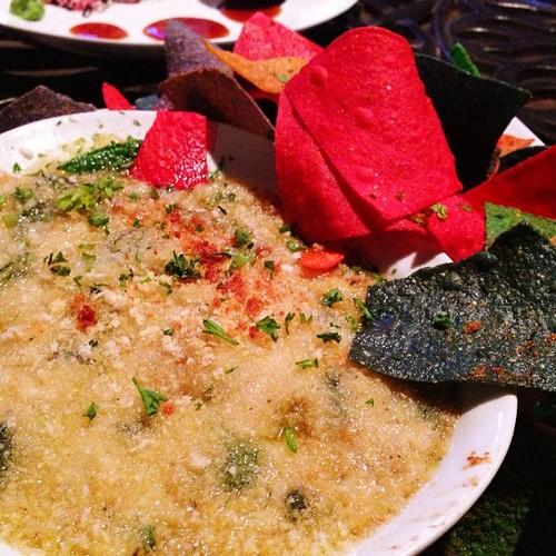 spinach-and-crab-dip-teak-neighborhood-grill.jpg