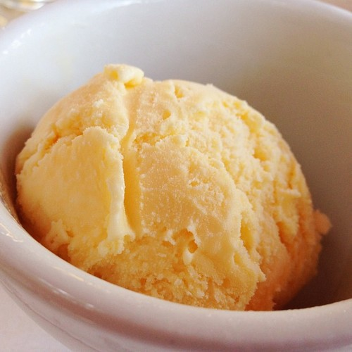 vanilla-ice-cream-paris-bistro-restaurant.jpg