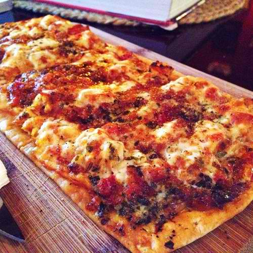 chicken-flatbread-achilles-art-cafe.jpg