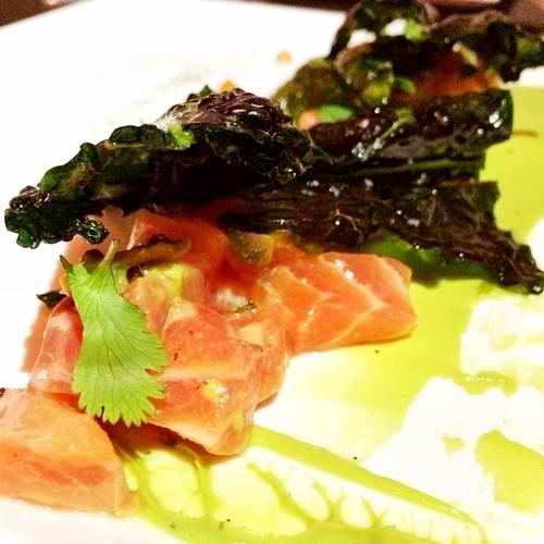 Sake Ceviche @Kabooki_sushi Cubed salmon, yuzu pon,orange oil, avocado,baby radish, tempura crispy kale, fleur de sel salt, candy quinoa, cilantro