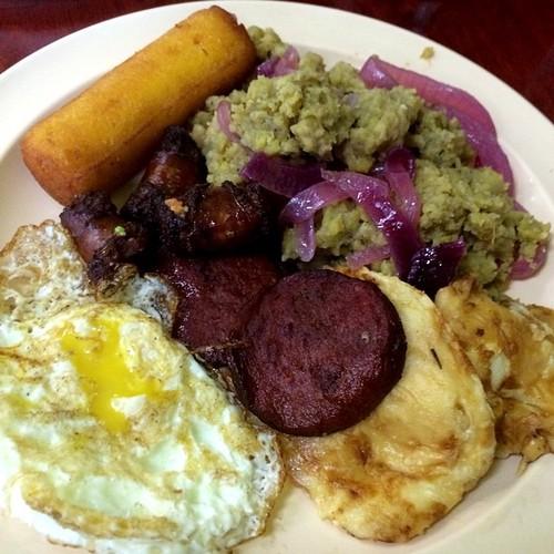 Dominican Breakfast @ Tu Casa. Mangú, salami, queso frito, huevo frito, longaniza, bollito de maiz