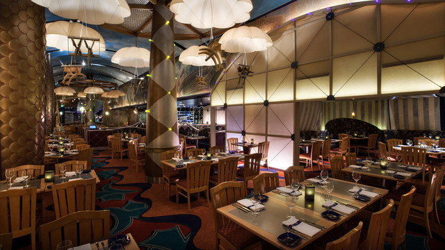 Flying Fish Café © Disney