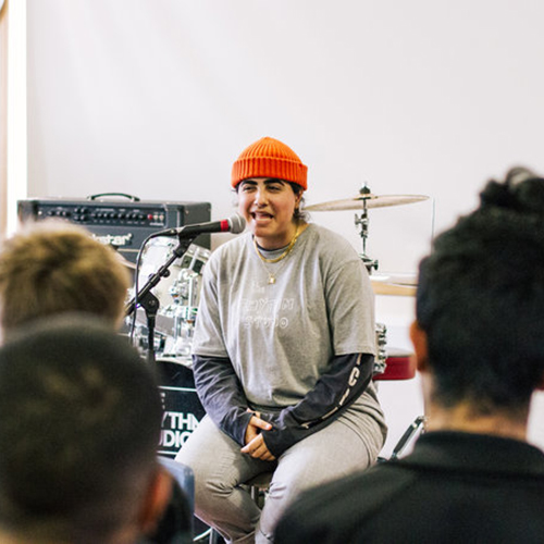 SHAMIME IBRAHIM - BEATBOXER / RAPPER   Shamime earned her stripes recording with Jason Mraz and joining him onstage at Hollywood Bowl in 2017. She is now working on solo material with producer Martin Terefe and collaborating with the likes of The Specials and Bellatrix.