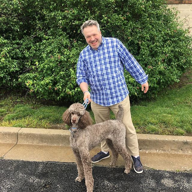 Things that make me smile... I do love a good dog but this poodle must be part kangaroo. It's always fun to stop in @queenofpaws for a little dog therapy.