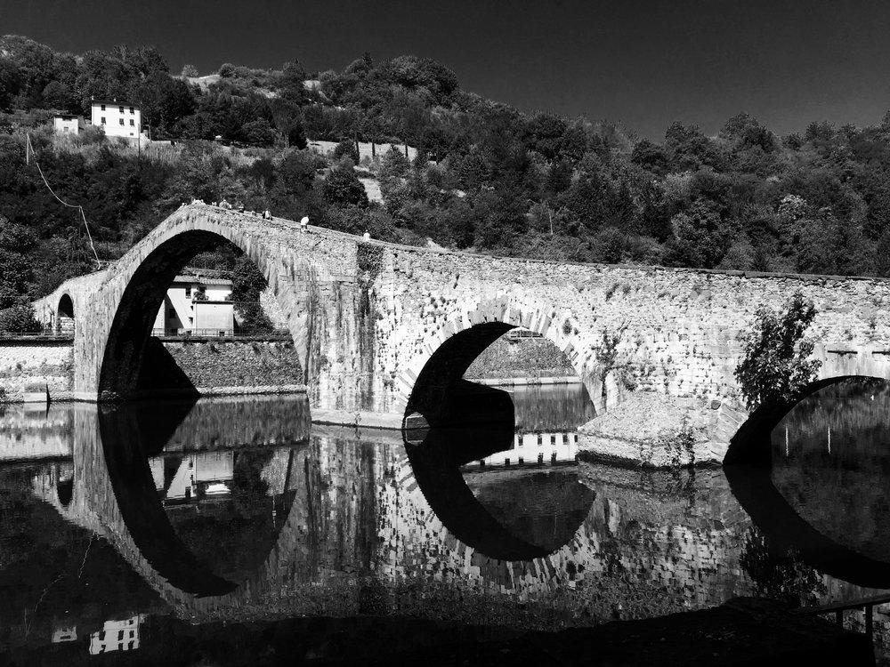 Il Ponte del Diavolo, Borgo a Mozzano, Italia