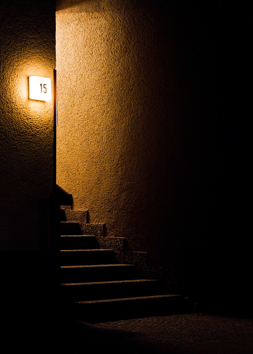stairs-night-apartment-yellow-city-berlin-lonely-quiet