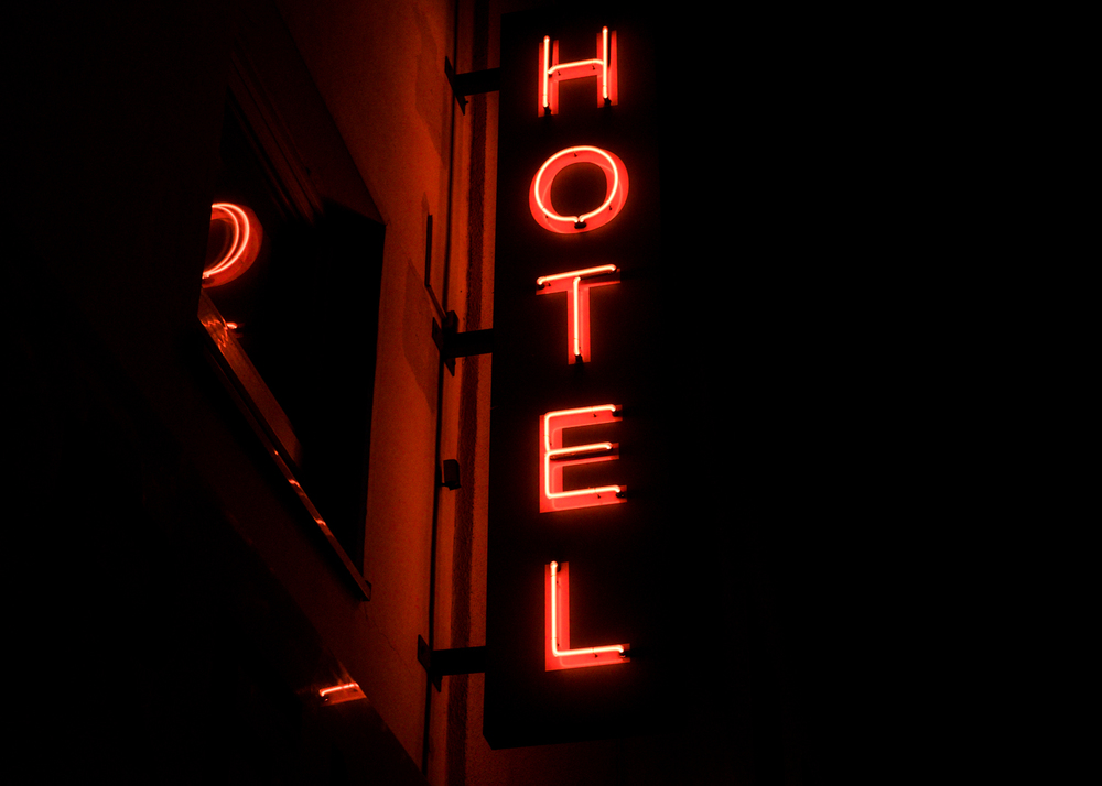 red-neon-hotel-sign-night-photography-bonn-germany