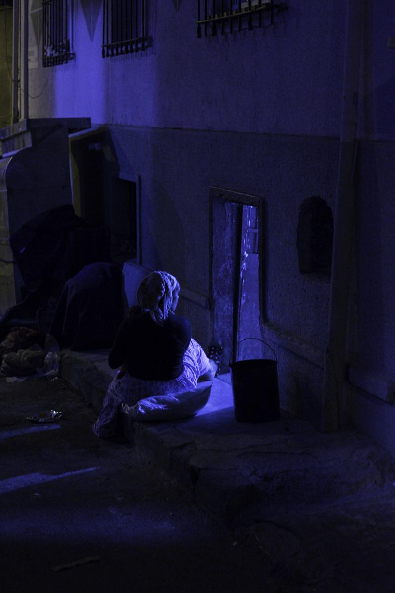 mother-seated-night-Tarlabasi-kurdish-istanbul