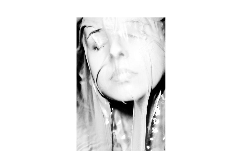 Katharina-Heß-Beauty-Fabric-Face-Statue-Matthew-Coleman-Photography.jpg