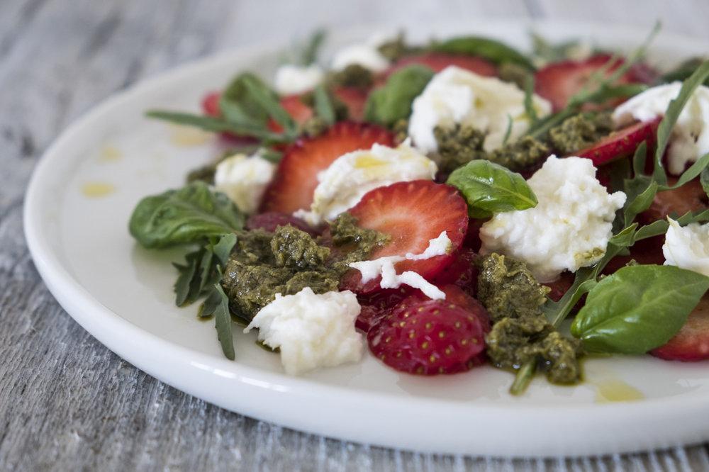 Sommerlicher Erdbeersalat