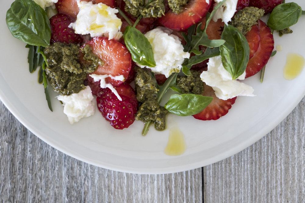 Cornelia Kahr Fotografie: Sommerlicher Erdbeersalat