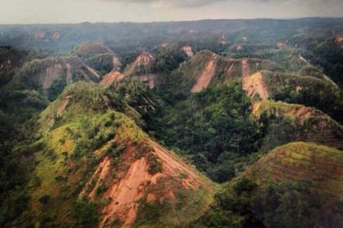 Chocolate Hills, shredded by the earthquake. Photo courtesy of Philippine News (philnews.ph)
