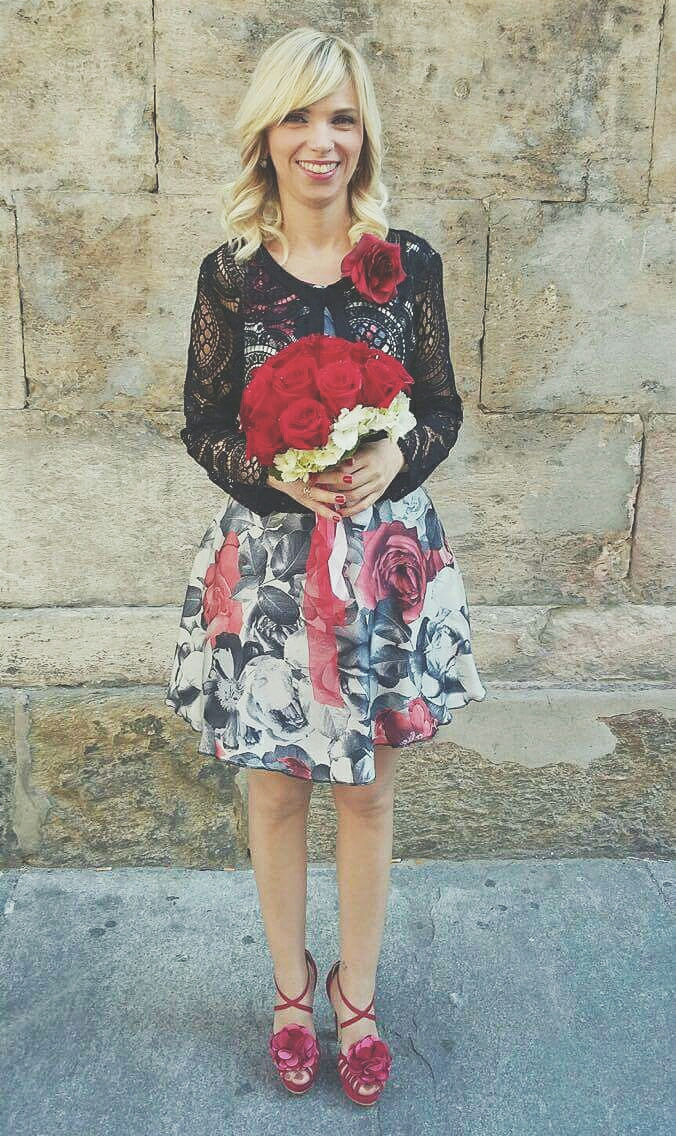 la combinazione del bouquet con le sue forme e il suo outfit #love