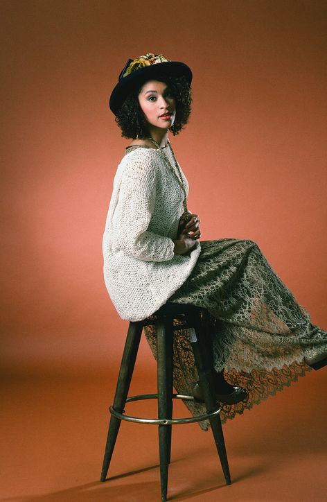 hilary-banks-karyn-parsons-fresh-prince-of-bel-air-lace-skirt-h724.jpg