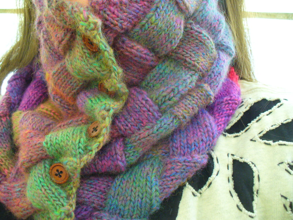 new knitting pattern: carole cowl @sneezerville