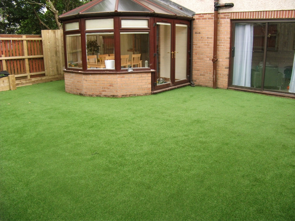 artificial turf installation Glasgow