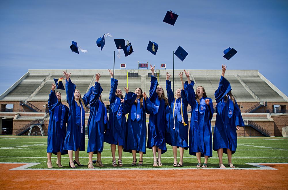 UniversityOfIllinois_ClassOf2012_Graduation_GroupPortrait.jpg