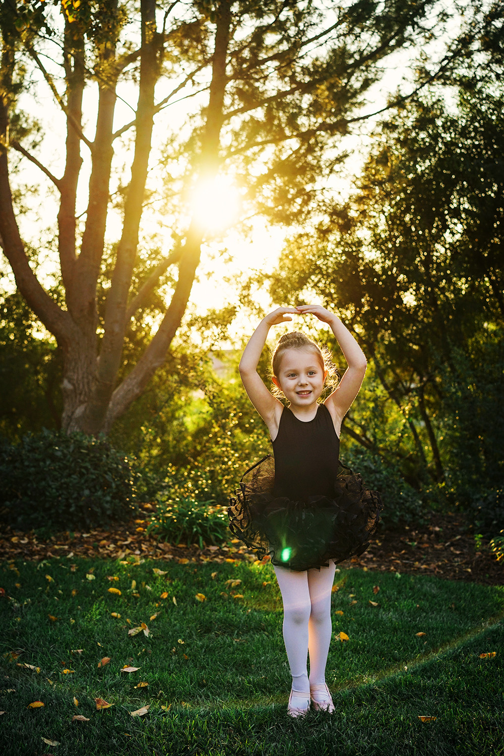 Ballerina Hudson   A7II, 55 1.8, 1/400th at f4.5, 250 ISO (reflector fill).  Processed from the jpeg file, enhanced using Replichrome and Alien Skin Exposure 6.
