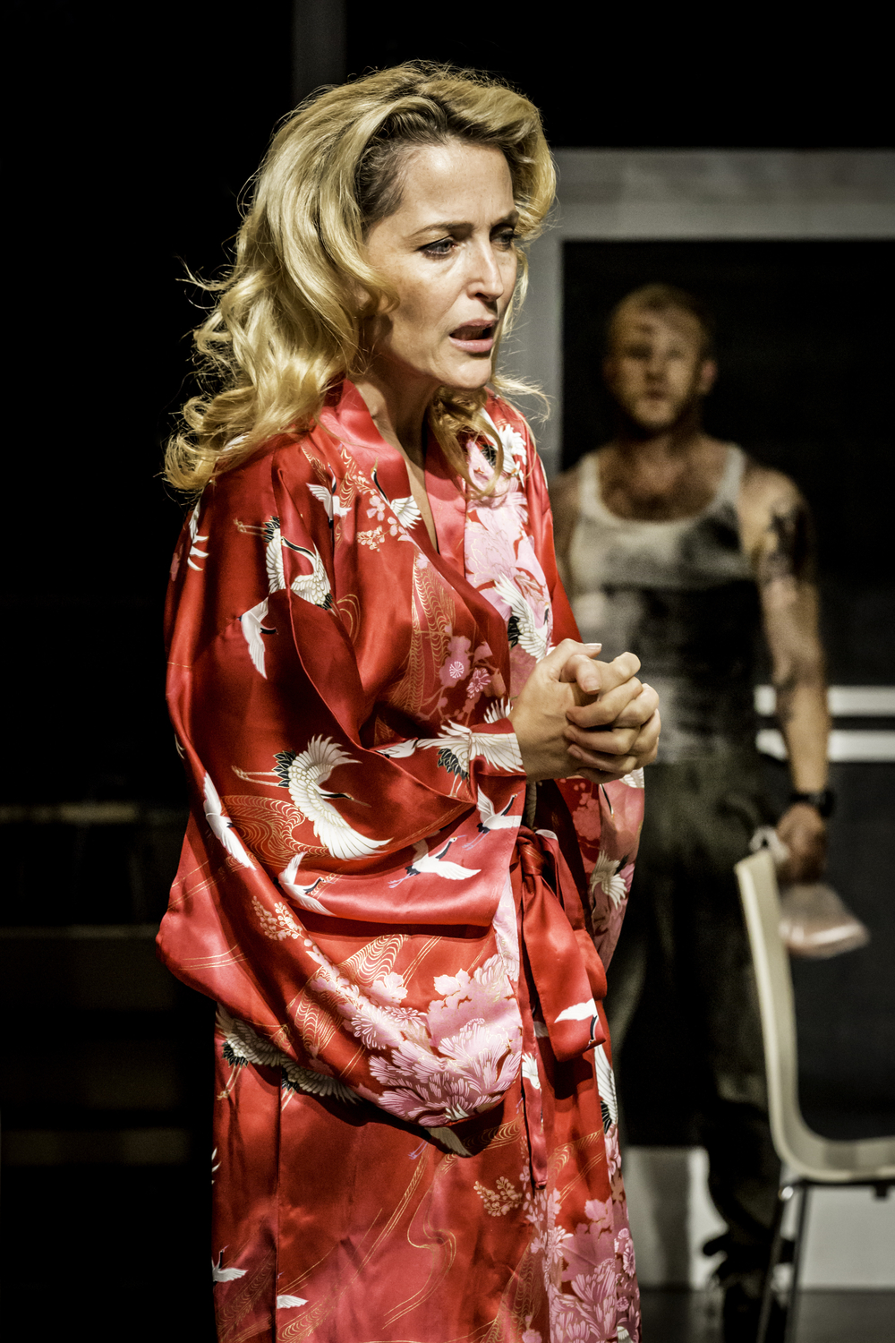 9_Gillian_Anderson_as_Blanche_DuBois_in_A_Streetcar_Named_Desire_at_the_Young_Vic_Photo_by_Johan_Persson.jpg