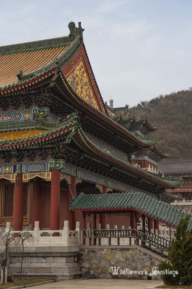 Zhangjiajie - Tianmen Gate - temple1.jpg