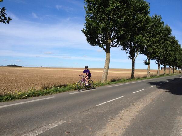 Karen speeding towards Paris just outside Auvers-sur-Oise.