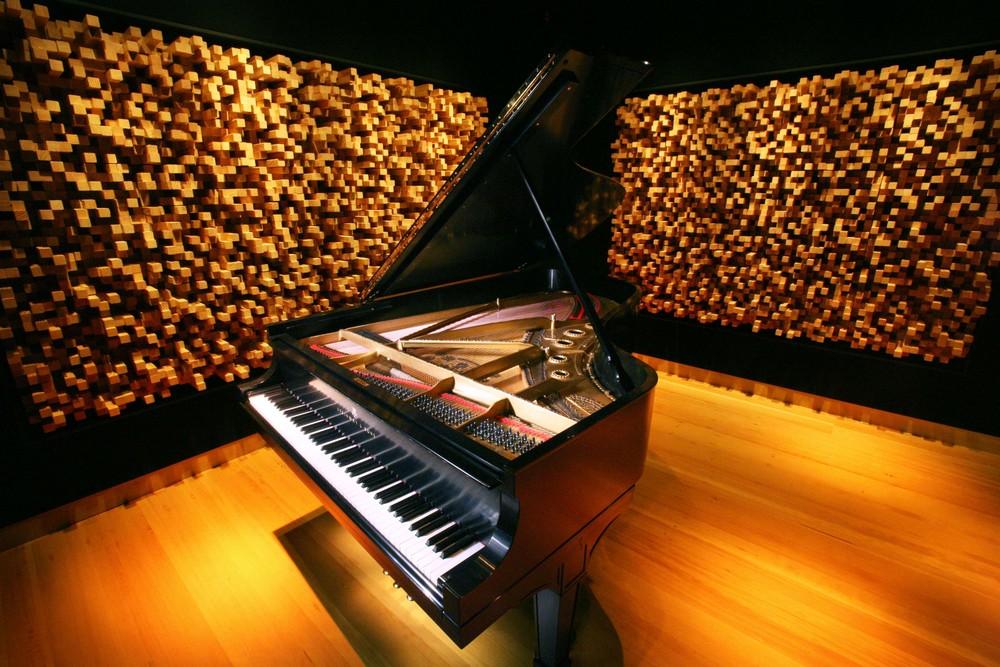 Piano, Iso 2.jpg