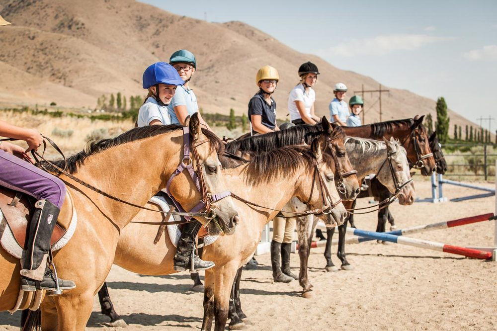 Group horse riding lessons with your friends. Valley View Equestrian. Payson, Utah