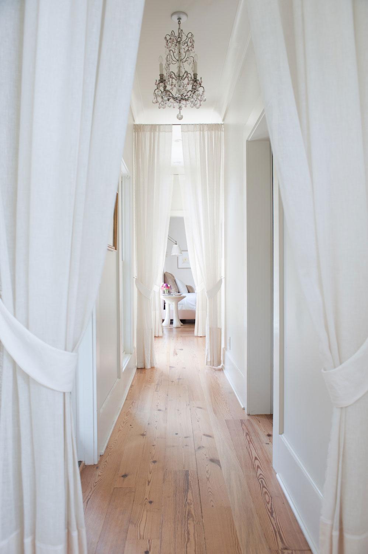 hallway-031.jpg
