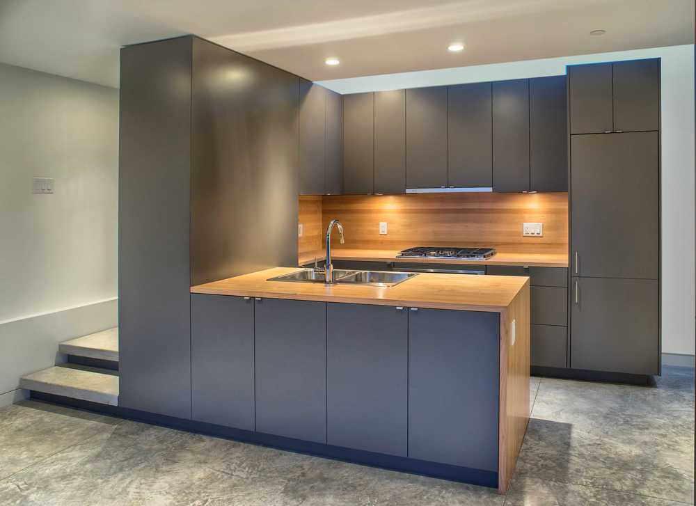 Tight, Efficient Kitchen Design