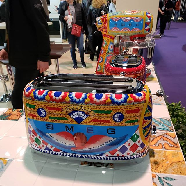 When was it when you first realized you needed a Dolce & Gabbana toaster?  #kbis2019 @smegusa #kitchensdesignedforlife