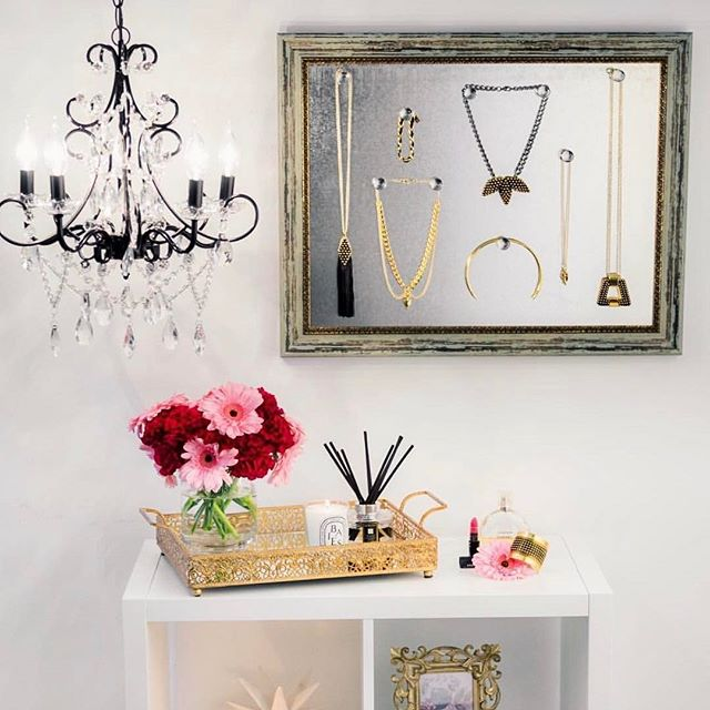 @amalfi_decor Jewelry board is such a chic way to store your favorite Boera Jewelry! #organized #amalfidecor #statementjewelry #jewelrylovers