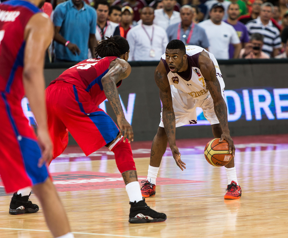 Venezuela's Donta Smith runs some clock while his team held onto a lead.