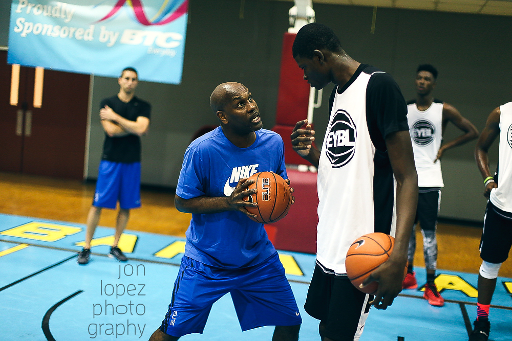 "Hall of famer Gary ""The Glove"" Payton coaches Mohamed Bamba during Nike's ""The Trip."""