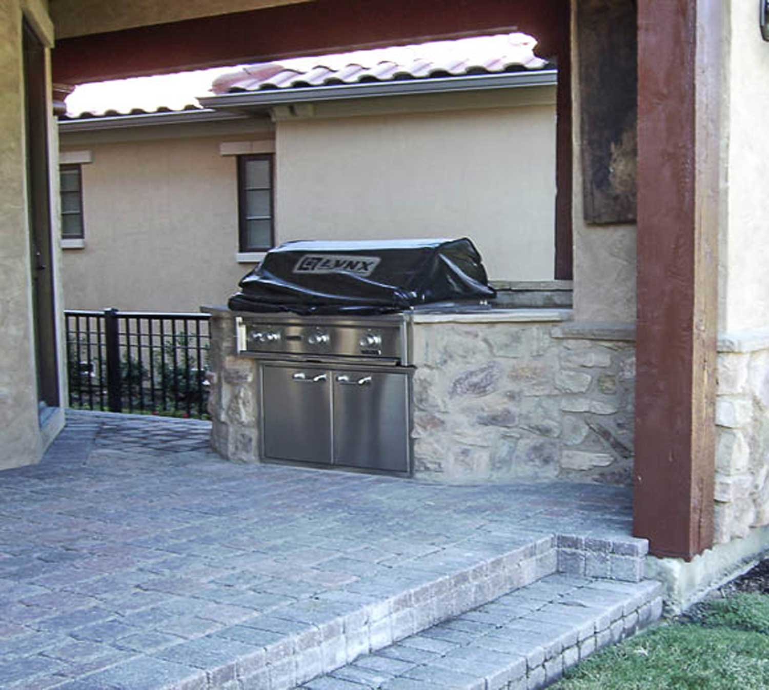 MRZ Contracting | Outdoor Grills / Fire Pits / Stone Work