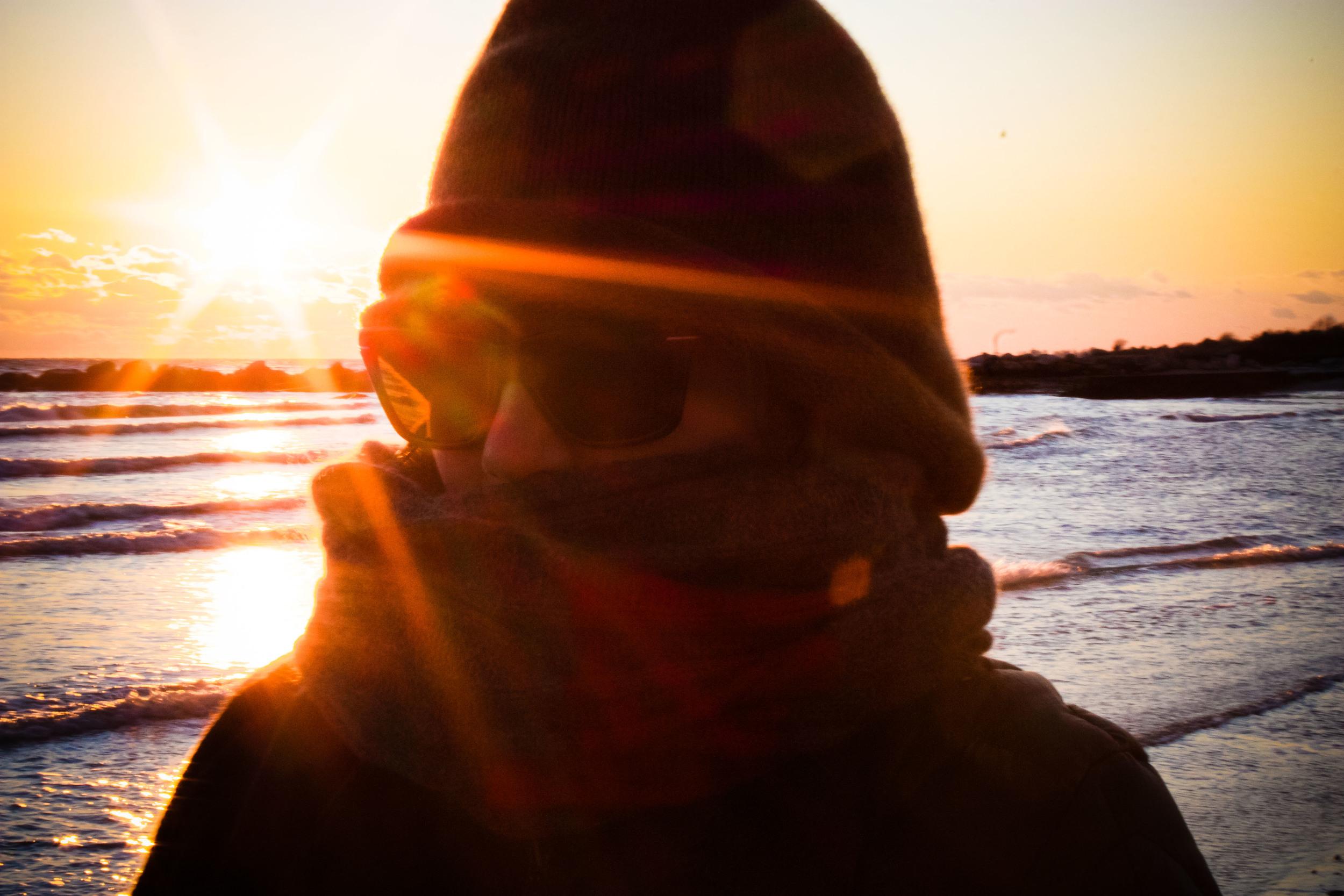 alue six optics sunglasses sunset