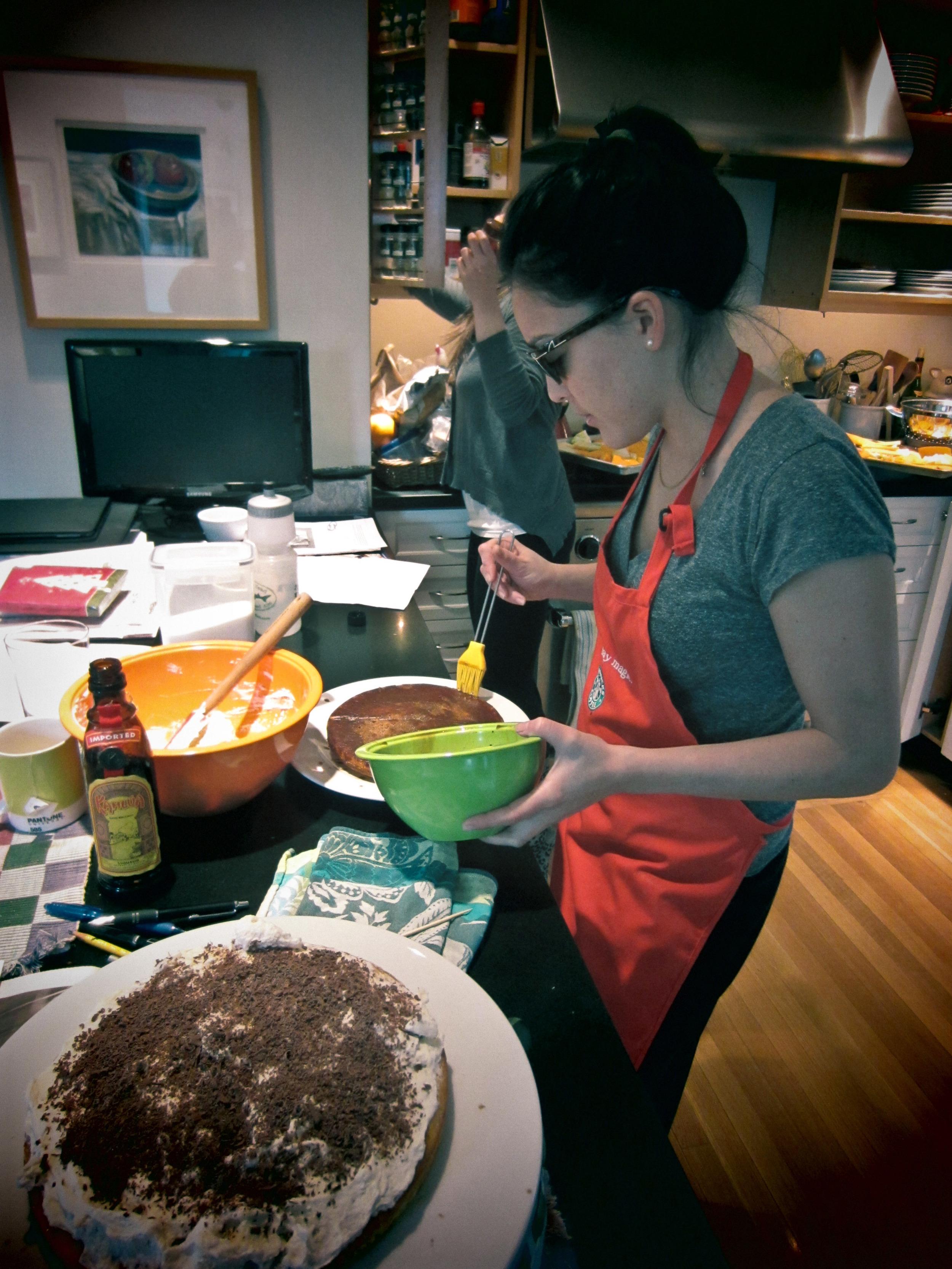 annie baking alue six